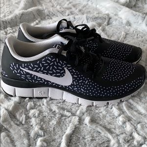 BRAND NEW Nike Dot 5.0